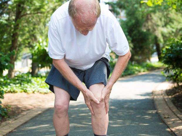 artrosis de rodilla en personas mayores