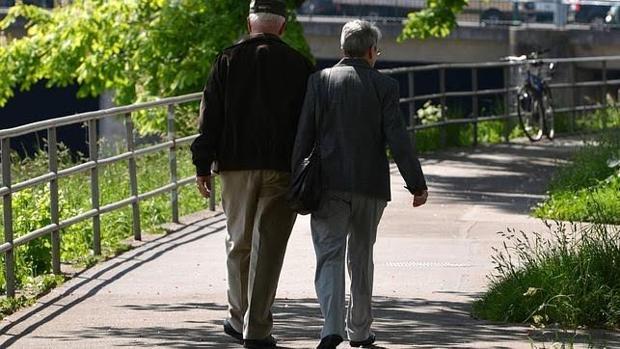 importancia caminar personas mayores