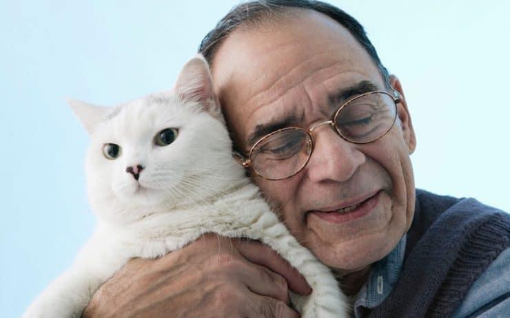 Los animales de compañía ayudan a combatir la depresión y estres de adultos mayores