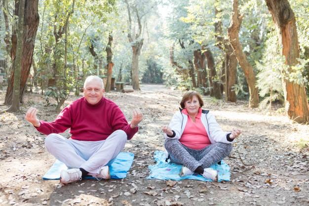 gimnasia para mayores pareja